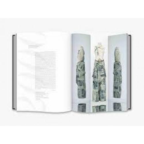 Christian Dior: Designer of Dreams - Thames & Hudson